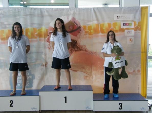 Catarina, Alexandre e equipa de estafetas Campeões Regionais