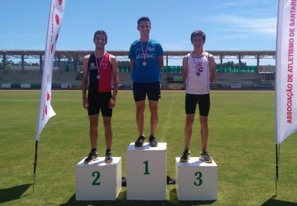 Gabriel Heitmann vence Campeonato Regional do Tetratlo Jovem e João Fernandes fica em 2º lugar.